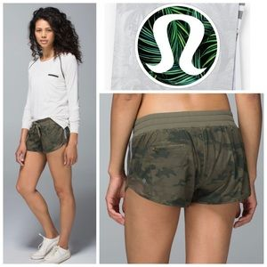 Lululemon Hotty Hot Shorts in Savasana Camo